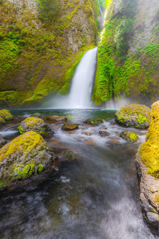 Wahclella Falls (vertical)