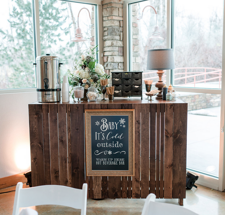 DIY Wood Pallet Wedding Projects Ira Lucy