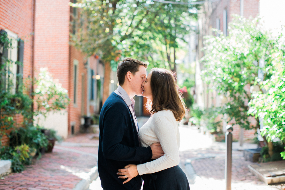 olde-city-philadelphia-engagement-photography-14.jpg