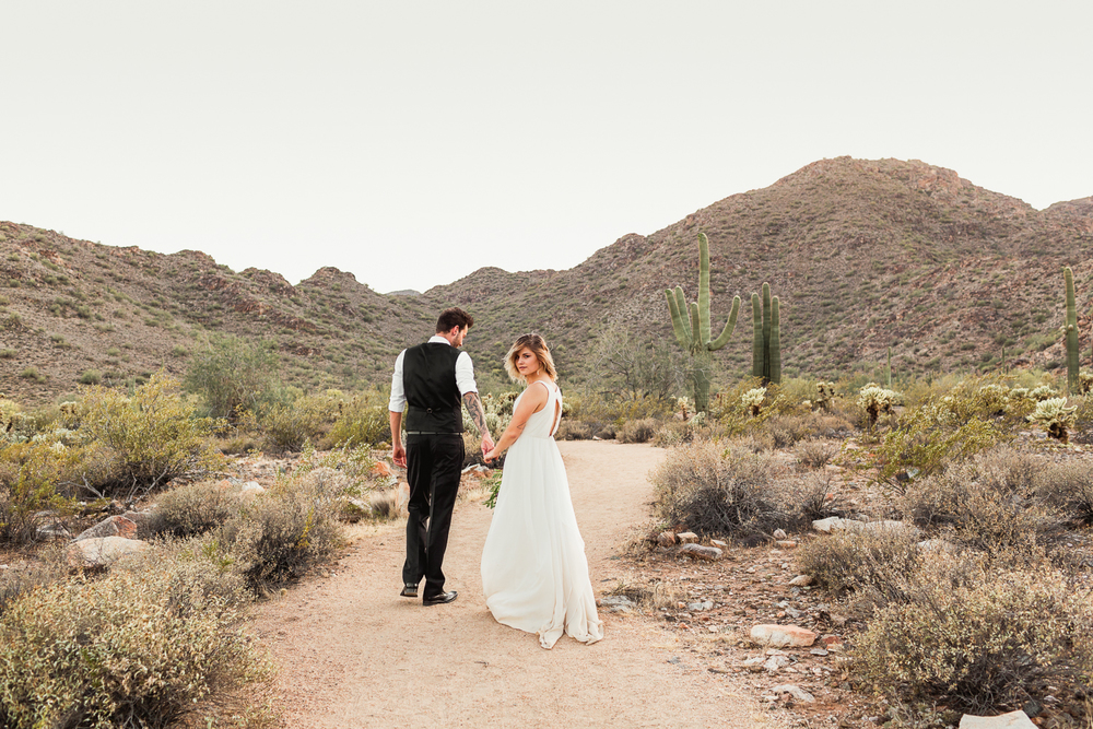 Arizona-Desert-Elopement-Emily-Kirke-Photography-22.jpg