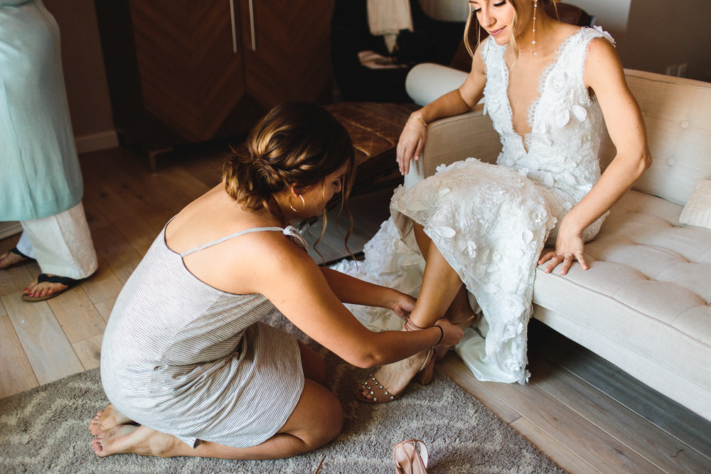 connecticut-summer-lake-wedding-emily-kirke-photography-upstyle (19 of 181).jpg