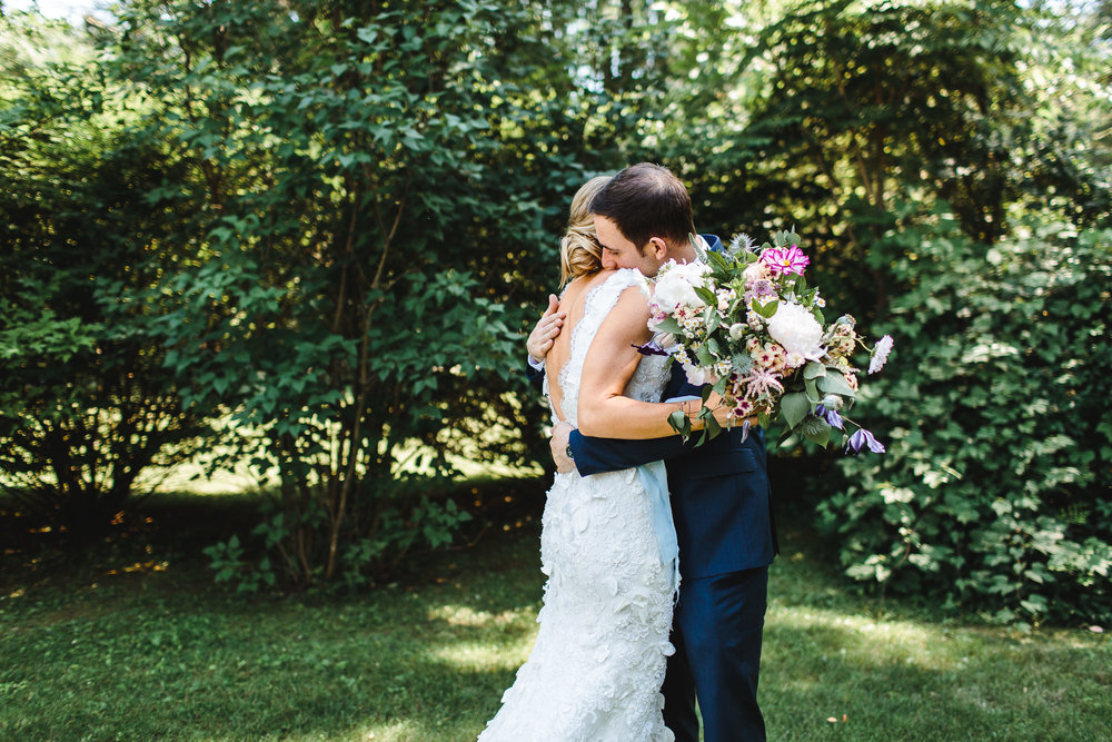 connecticut-summer-lake-wedding-emily-kirke-photography-upstyle (40 of 181).jpg