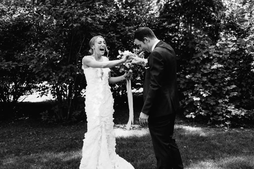 connecticut-summer-lake-wedding-emily-kirke-photography-upstyle (43 of 181).jpg