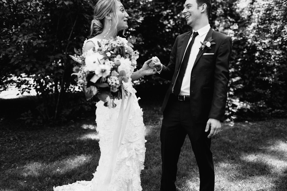 connecticut-summer-lake-wedding-emily-kirke-photography-upstyle (45 of 181).jpg