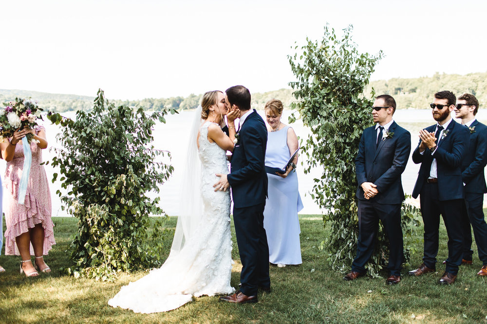 connecticut-summer-lake-wedding-emily-kirke-photography-upstyle (101 of 181).jpg