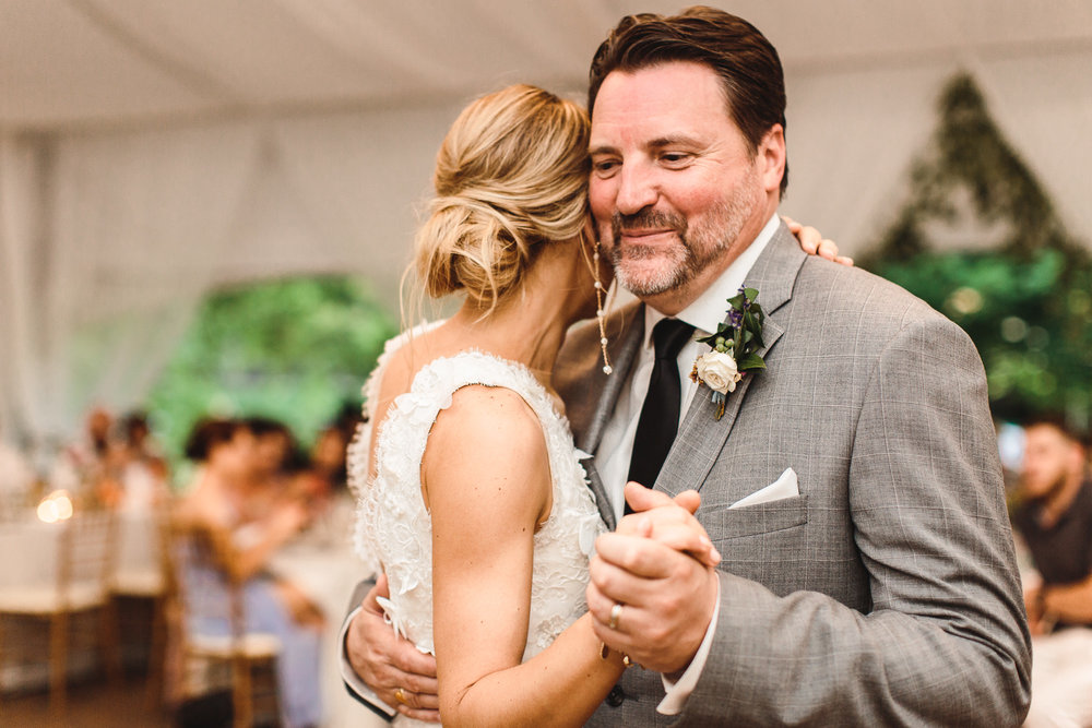 connecticut-summer-lake-wedding-emily-kirke-photography-upstyle (153 of 181).jpg