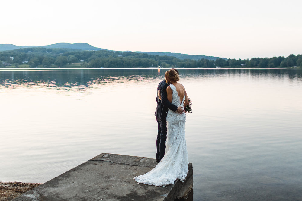 connecticut-summer-lake-wedding-emily-kirke-photography-upstyle (163 of 181).jpg