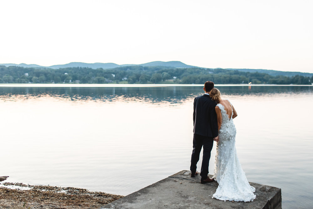 connecticut-summer-lake-wedding-emily-kirke-photography-upstyle (164 of 181).jpg