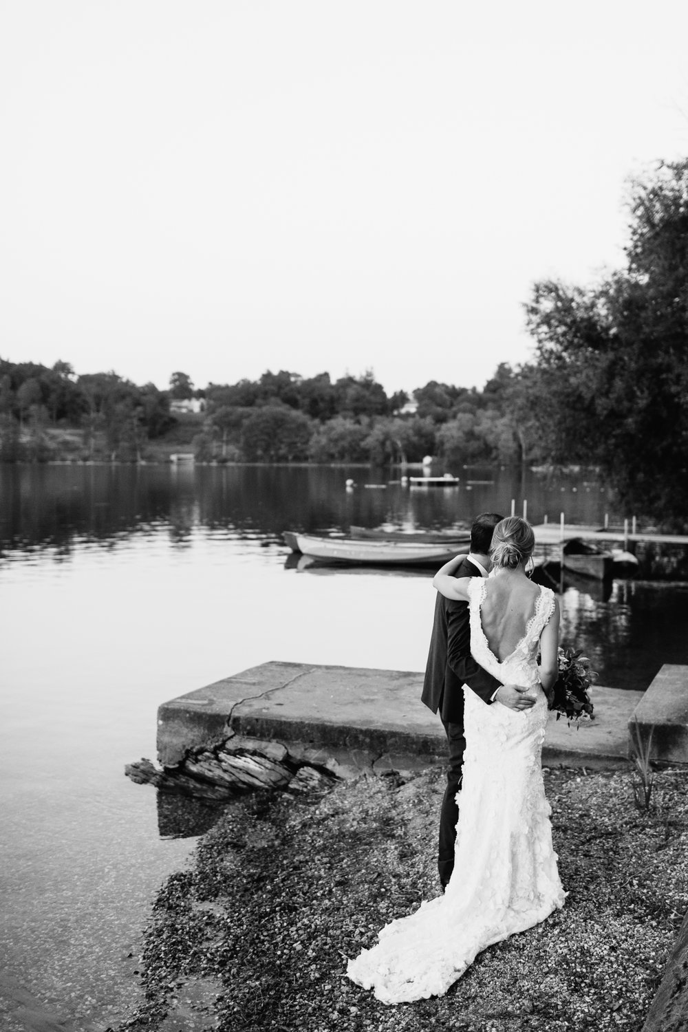 connecticut-summer-lake-wedding-emily-kirke-photography-upstyle (155 of 181).jpg