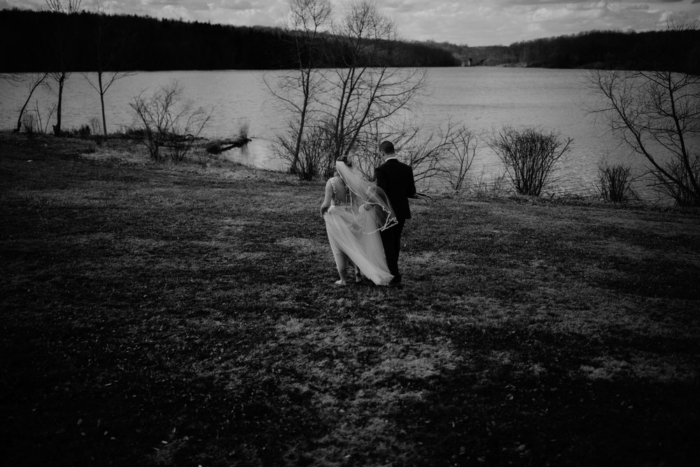 ASHLEYandJOE-Wedding2017-BW-2 (63 of 256).jpg