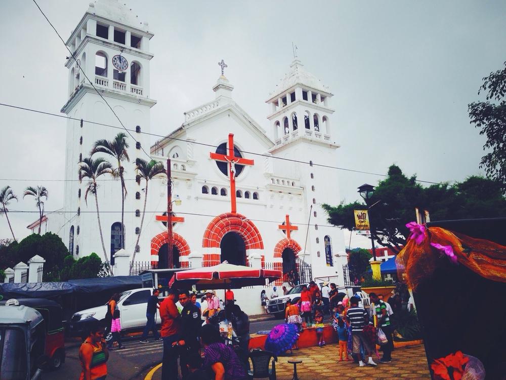 Iglesia del Cristo Negro en Juayúa, El Salvador. En ruta de las flores.