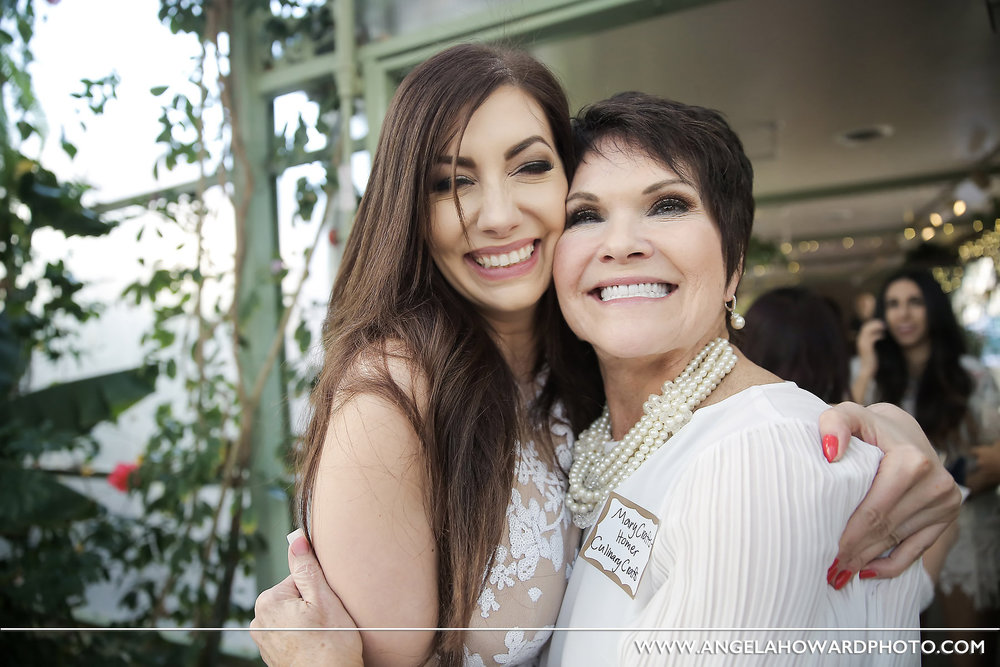 Two of our favorite people. True professionals. Incredible at what they do. Mara Marian of Fuse Weddings and Events, and Mary Crafts of the world renown catering company Culinary Crafts.@utahbridemag #UBGWhiteParty Photo credit: Angel Howard Photography