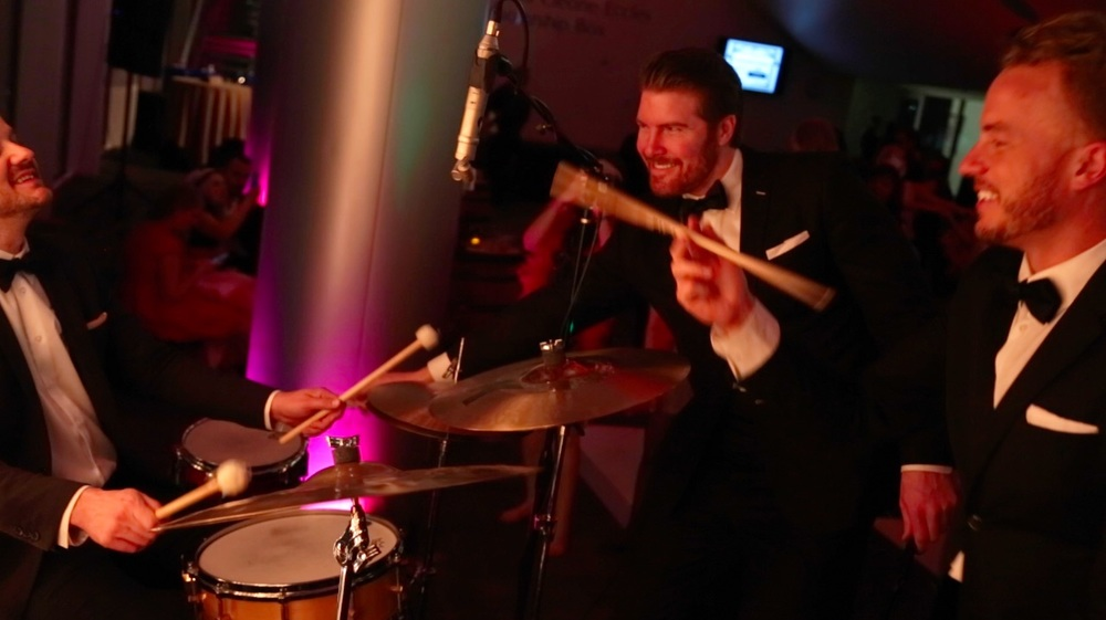 hiring a band vs dj for your wedding gold standard