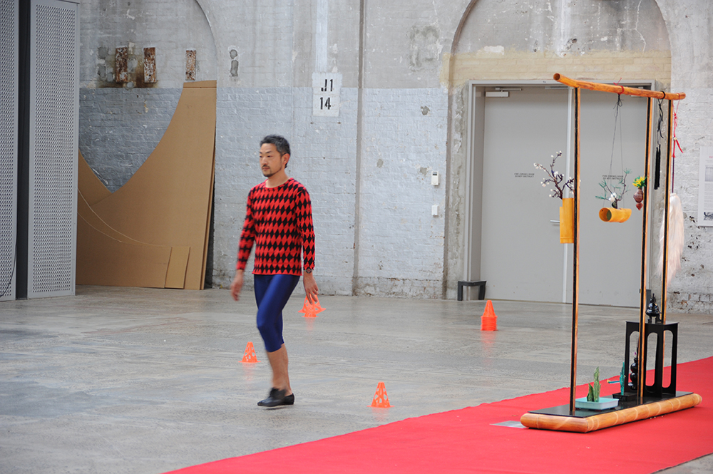 Sarah Goffman, Trashcan Dreams, 2010, featuring Morita Yasuaki, curator Bec Dean, Performance Space, Sydney (photo: Garth Knight)