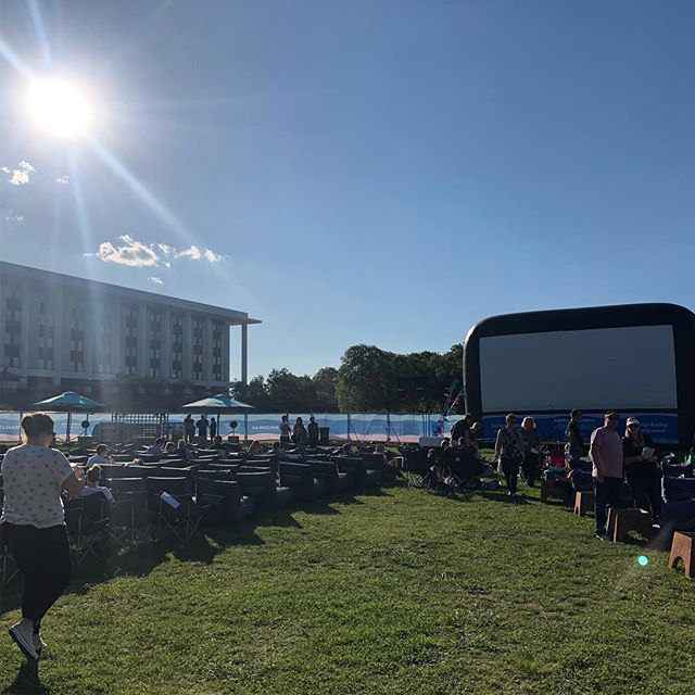 Sorry everyone who has to tough out my voice for an hour before the movie 😂 @openaircinemascanberra #livemusic #acoustic #singer #canberra #movies #cinema