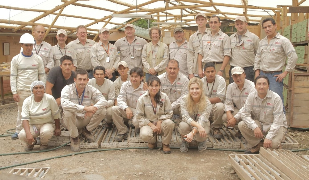 Our dedicated and hard working team of professionals on site at Cascabel.