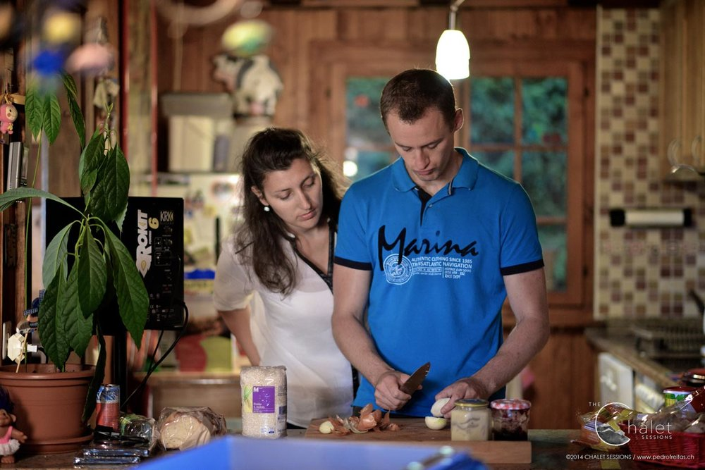 O de mon Cheri Session - Thomas and Anne-Laure preparing our meal