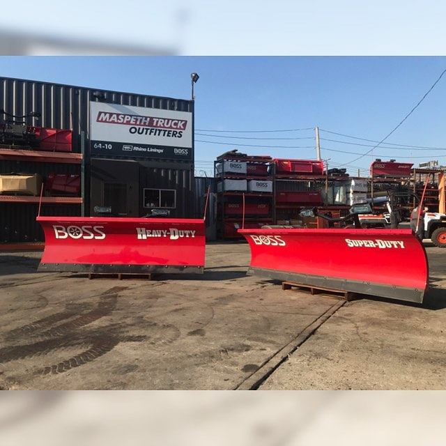 ☀️ Don't let the nice weather fool ya! We still have a month and a half of WINTER left! ❄️ Call now and ask for our amazing pre-season special pricing for these bad boys 👌🏻 These Heavy Duty & Super Duty plows come with the SL3 LED light w/ Ice Shield Technology 🌟 Call now 🤩