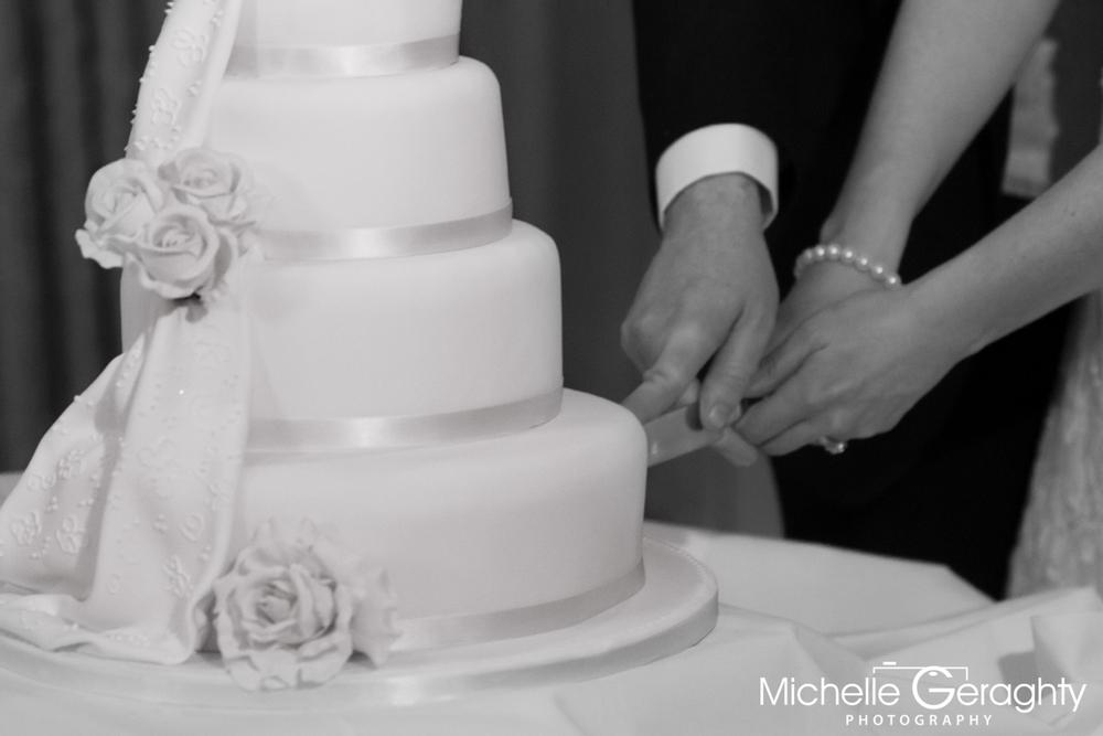 Niamh & Gerry-Cake & Dining-2556.jpg