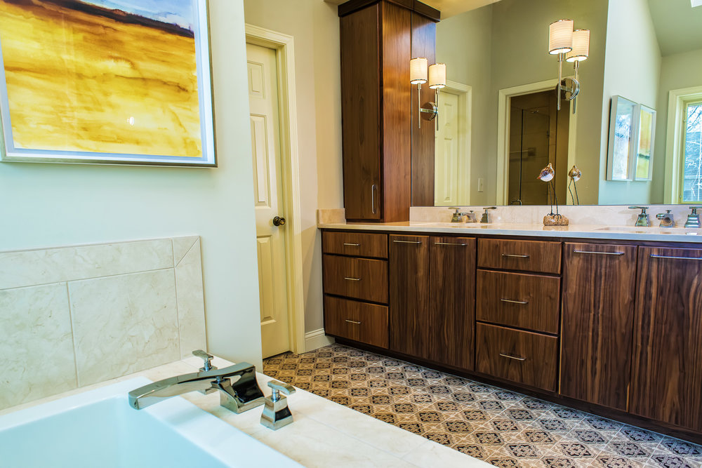 Hunter's Ridge Mediterranean Bath