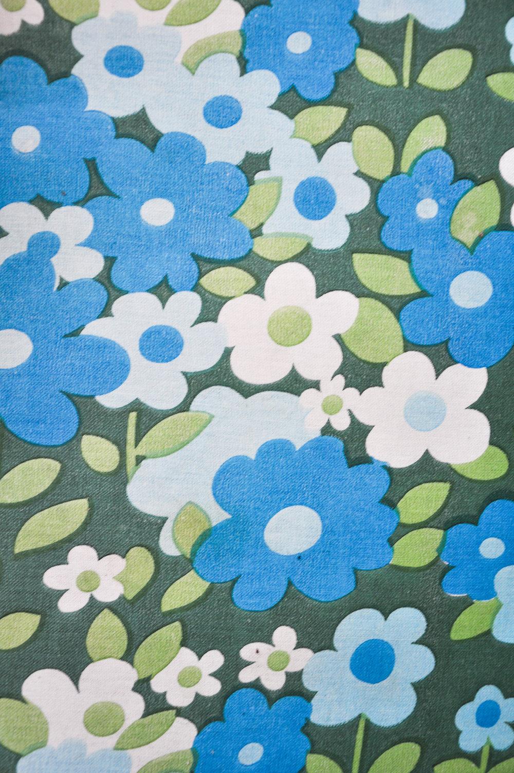 blauesblumenmuster.jpg