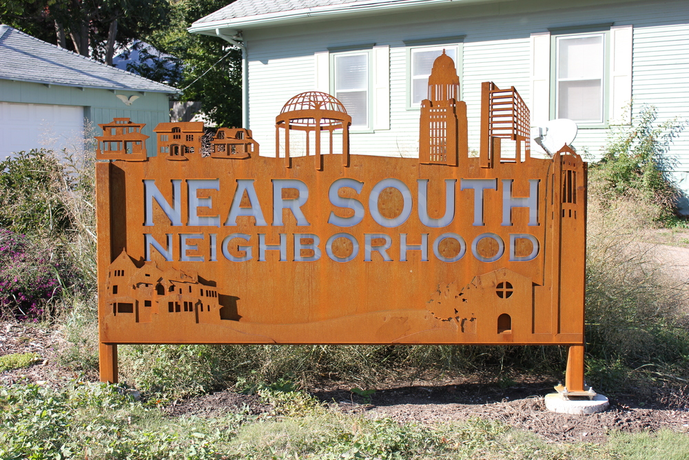 Near South Neighborhood Sign