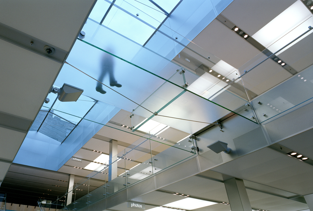 Apple Store.upview glasswall.jpg