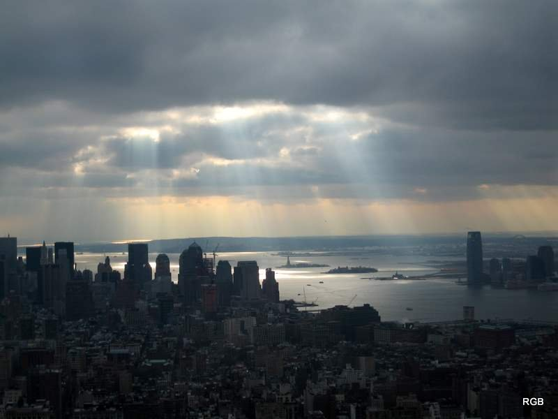 Sunrays Over New York (Jan 2008) 1.JPG