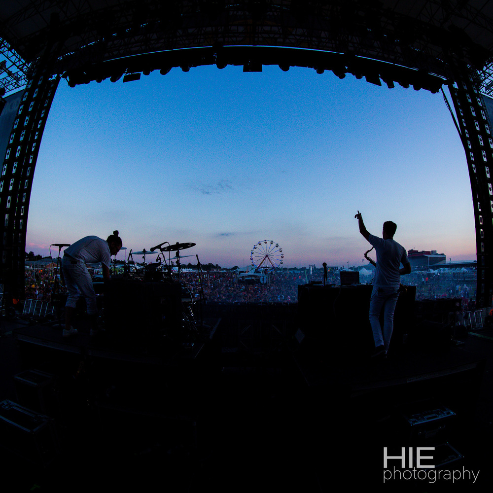 Big Gigantic Moonrise-1.jpg
