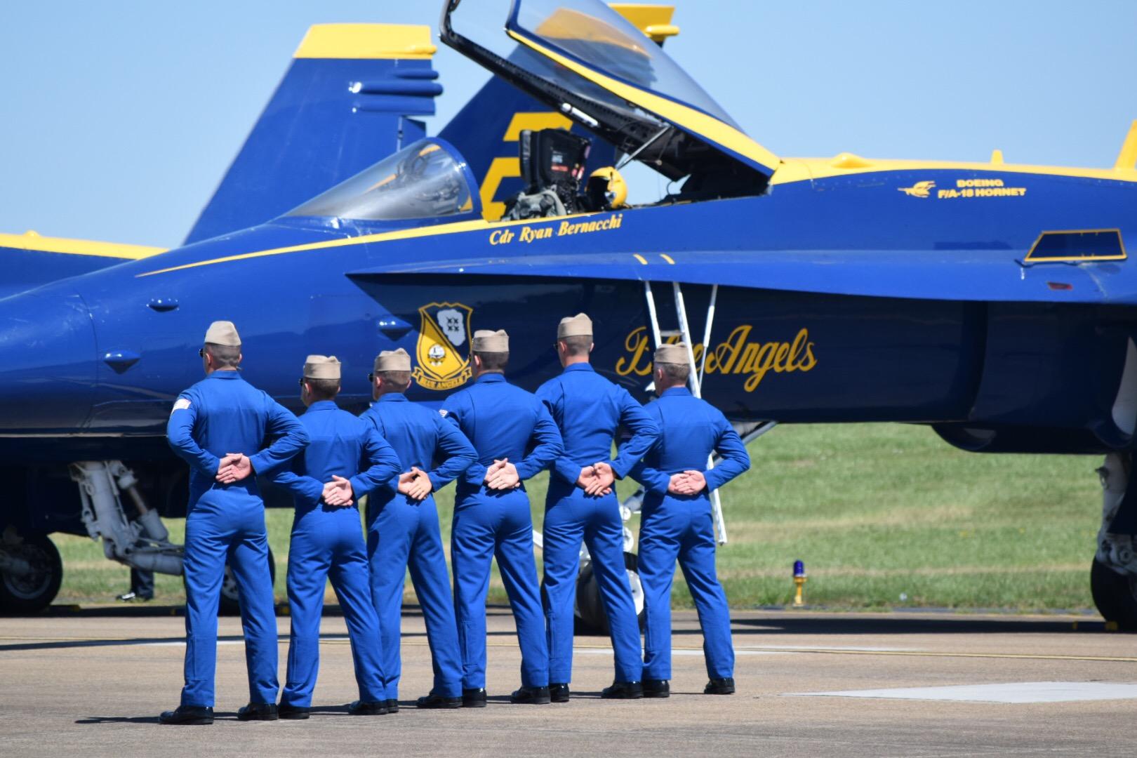 U.S. Navy Blue Angels Release 2017 & 2018 Schedules ...