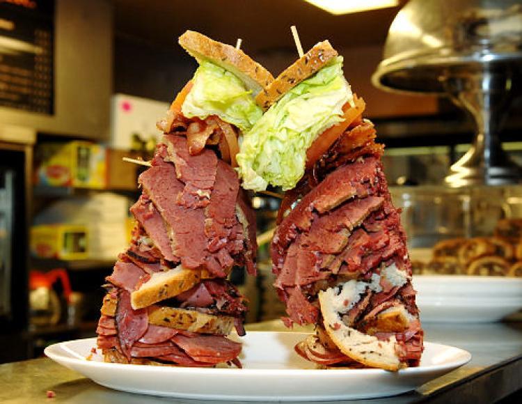 alg-carmelo-anthony-sandwich-carnegie-jpg.jpg