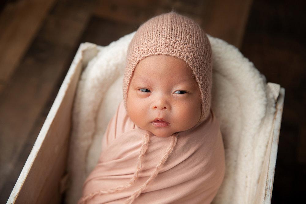 Newborn MIni Session-9.jpg