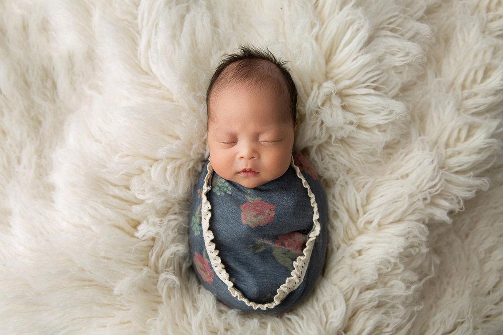 Newborn MIni Session-12.jpg