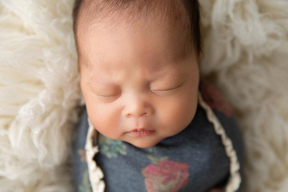 Newborn MIni Session-13.jpg