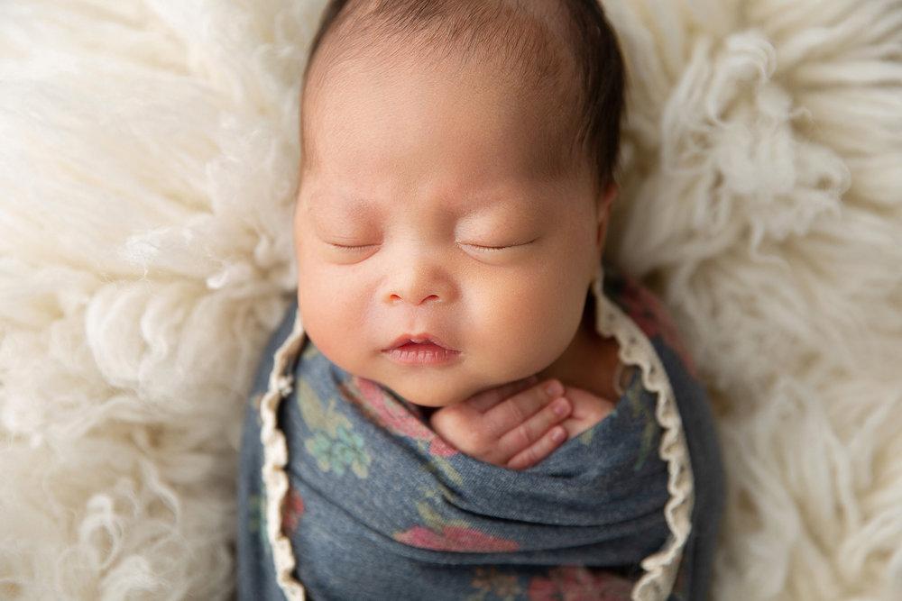 Newborn MIni Session-14.jpg