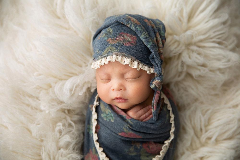 Newborn MIni Session-16.jpg
