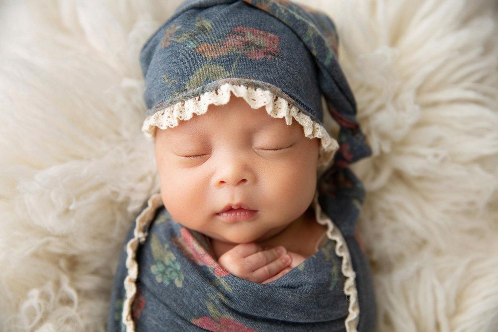 Newborn MIni Session-18.jpg