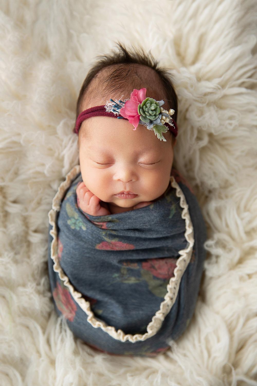 Newborn MIni Session-20.jpg