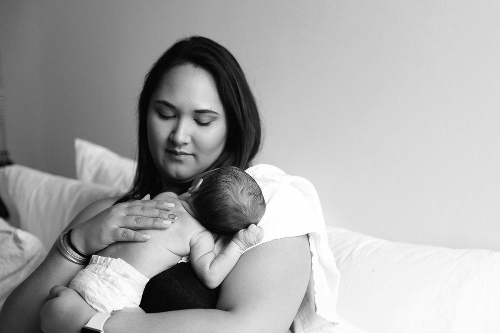 Lifestyle Newborn Photos-1.jpg