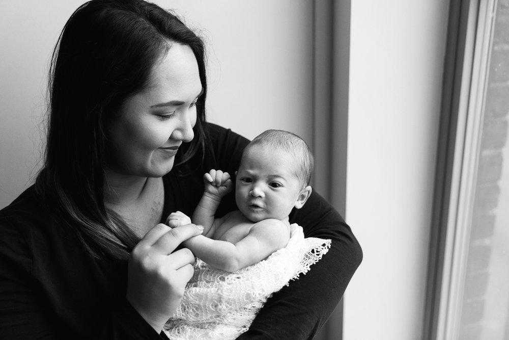 Lifestyle Newborn Photos-4.jpg
