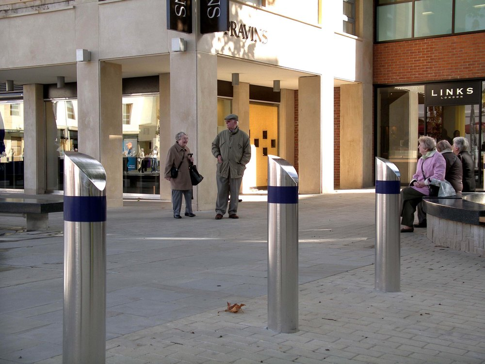 Broadmead bollard 7 copy.jpg