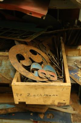 Zachmann-photos-13-of-54-266x400.jpg