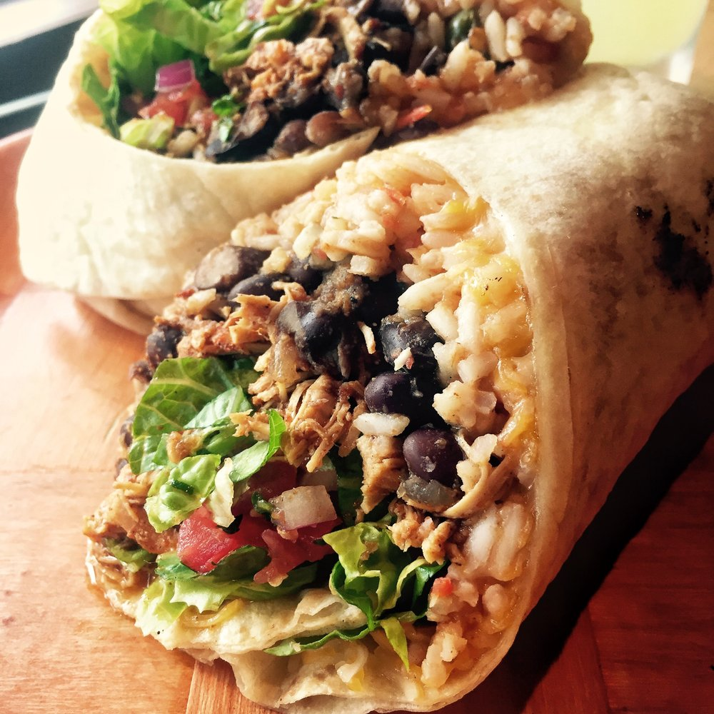 Blackened Chicken Burrito +lettuce +tomato pico
