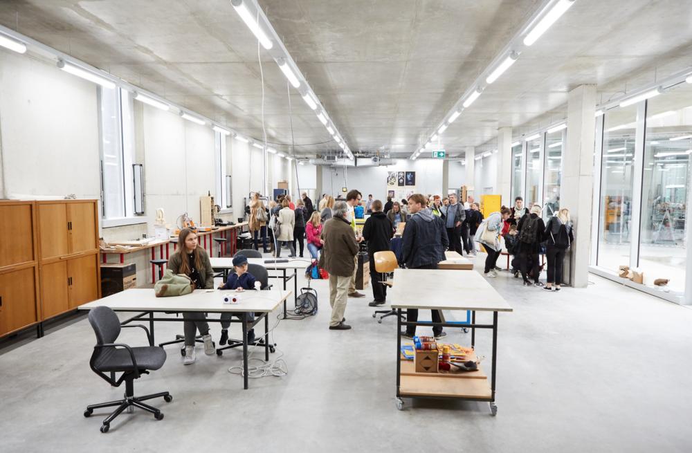 Das  FabLab  beim  Open House  zur Eröffnung am 1. Oktober 2016