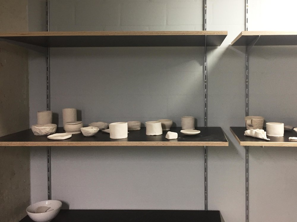 Potteryshelf.JPG