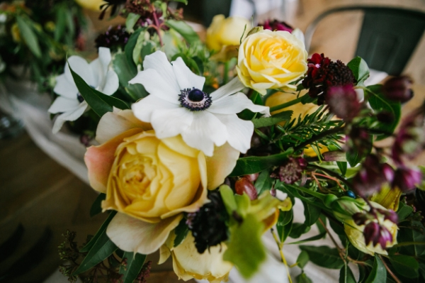 Gorgeous blooms by Les Fleurs. Photo by Emily Tebbetts Photography.