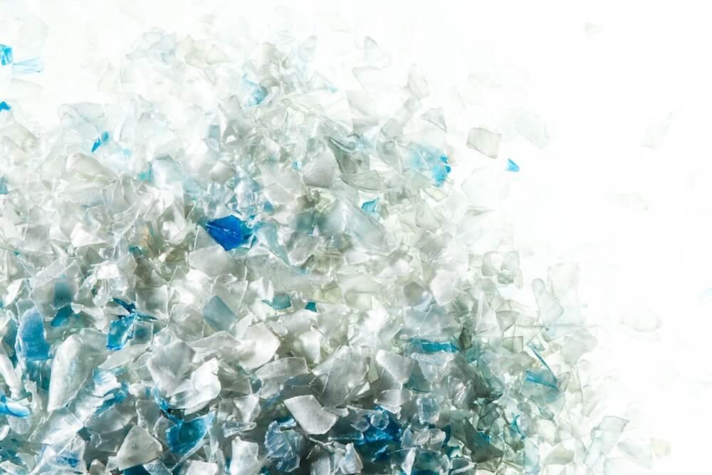 Plastic bottle flakes.jpg