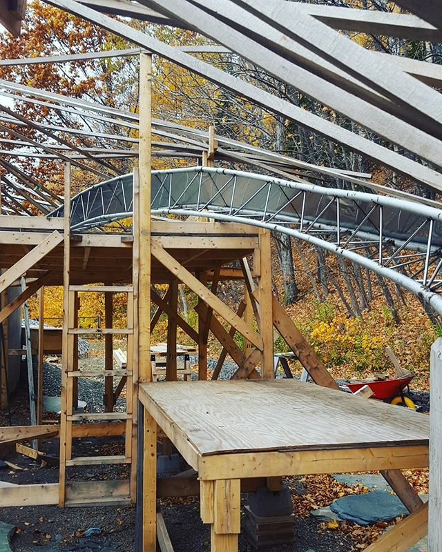 It's all about that #trusslife #collaboration #stainlesssteel #uaz #uncc #dalhousie #gridshells #edgebeam #designbuild #capebretonhighlandsnationalpark #capebreton #almostthere