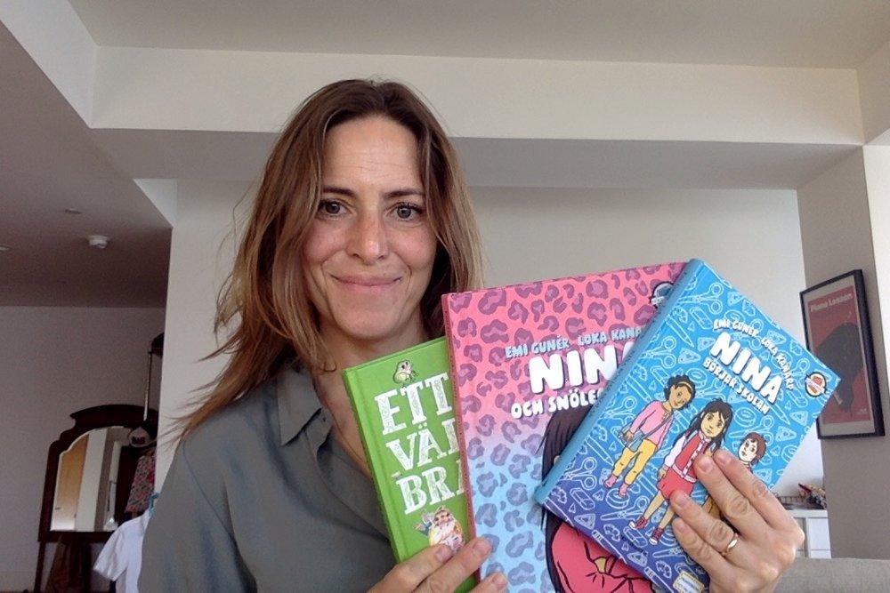 Hej! Det här är jag med mina tre böcker.