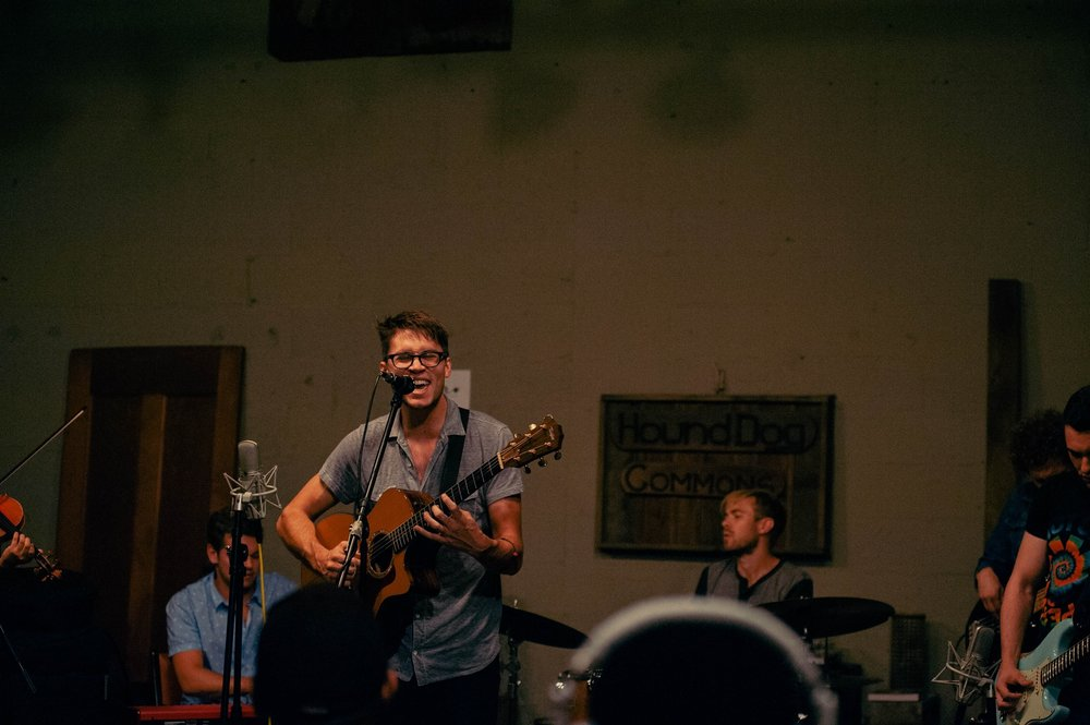 Arts Fishing Club performing a Sofar show at Hound Dog Commons, East Nashville – Photo: Alexandra Justice